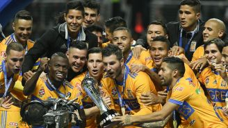 Tigres, con el trofeo de Campeón del A2017