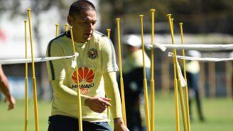 Pablo Aguilar en un entrenamiento del América