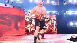 Brock Lesnar hace su entrada al ring