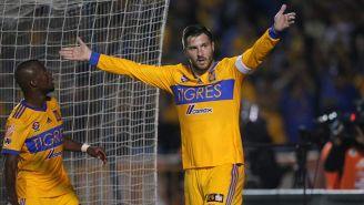 Gignac festeja su gol con Tigres