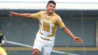 Ramírez celebra un gol con Pumas en 2014
