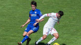 Fierro y Gómez en una jugada dividida