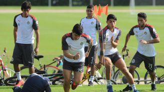 Gael Sandoval entrena con sus compañeros en Cancún
