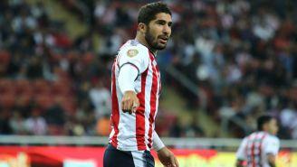 Pereira disputa un juego con Chivas durante el A2017