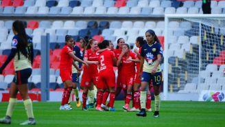 Toluca celebra la victoria frente a América en el Estadio Azteca