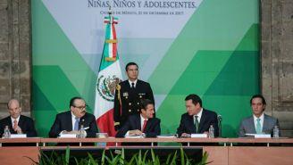 Peña Nieto y Osorio Chong, durante la Tercera Sesión Ordinaria del SIPINNA