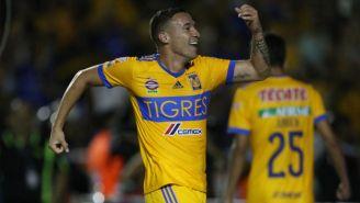Dueñas celebra un gol con Tigres