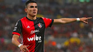 Luis Reyes, durante un juego con Atlas