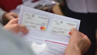 Bansefi entrega tarjetas a damnificados del sismo