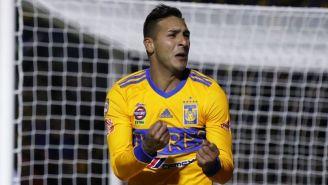 Ismael Sosa festeja su gol contra Santos en el C2018