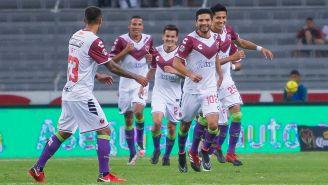 Jugadores de Veracruz celebran gol en Copa