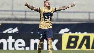 Nicolás Castillo festeja anotación con Pumas en C.U