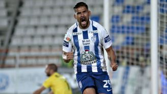 Franco Jara festeja su gol contra Lobos BUAP