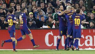 Festejo del gol de Luis Suárez frente al Real Betis