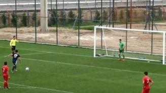 Bariscan Altunbas, a punto de falla el penalti contra Balıkesirspor