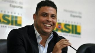 Ronaldo Nazario en rueda de prensa