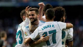 Nacho celebra junto a con sus compañeros su gol contra el Deportivo