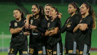 Jugadoras de Tigres celebran uno de sus goles vs Santos