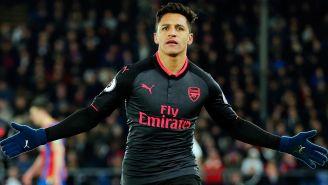 Alexis celebra un gol con su exequipo, el Arsenal