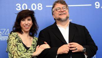 Hawkins y Del Toro durante una conferencia en Italia