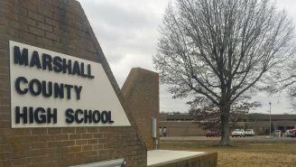 Las afueras de la secundaria donde se registro el tiroteo