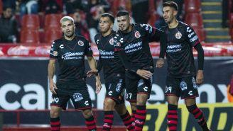 Jugadores de Tijuana celebran una anotación en la J4 del C2018
