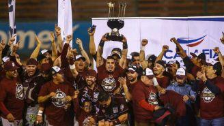 Tomateros  celebran tras ganar la Serie Final de la LMP