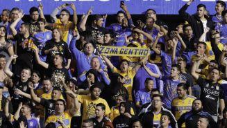 Aficionados de Tigres apoyan a su equipo en un juego del C2018