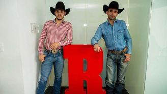 Francisco Miranda y Alejandro Gamboa posan para RÉCORD
