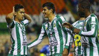 Andrés Andrade festeja gol contra Puebla en la J6
