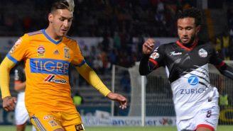 Ismael Sosa y Jordan Sierra durante el partido