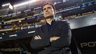 José Molina observa un juego del Atlético San Luis en el C2018
