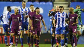Jugadores del Man City reaccionan por expulsión de Fabián Delph