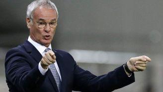 Ranieri da indicaciones en un partido