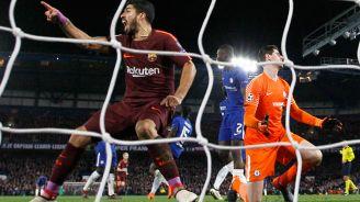 Suárez grita el tanto de Messi en Stamford Bridge