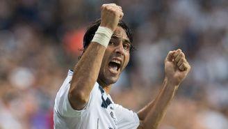 De Nigris celebra un gol en partido con Rayados