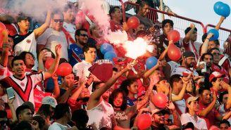 La afición de Veracruz entona cánticos previo al juego vs América