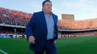 Miguel Herrera previo a un partido de América