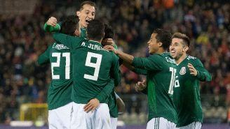 Jugadores de México celebran un gol en un amistoso