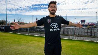 Ever Guzmán luce camiseta del San Antonio FC
