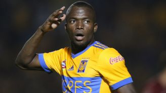 Valencia se lamenta tras fallar un disparo
