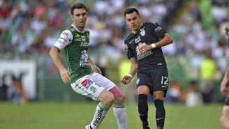 Boselli  y Emmanuel Garcia disputan un balón en el A2017
