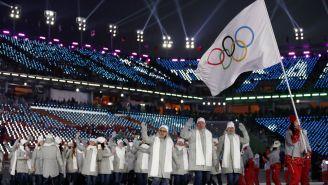 Deportistas rusos tuvieron que desfilar bajo la bandera del COI