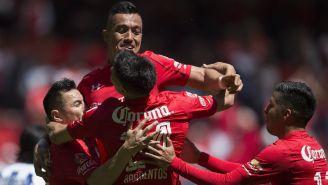 Fernando Uribe celebra su gol contra Pachuca