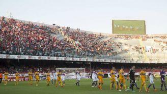 Veracruz y Tigres ingresan a la cancha para el juego