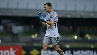 Marchesín aplaude el cuarto gol del América