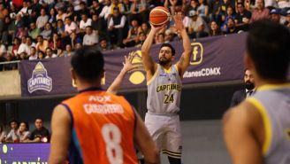 Gabriel Girón intenta un tiro