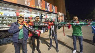 Aficionados apoyan a México previo a un juego en Bélgica