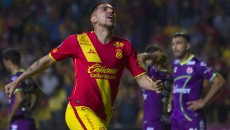 Diego Valdés celebra gol contra Veracruz