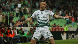 Jonathan Rodríguez festeja su gol